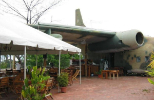 El Avion Restaurant and Bar, 22 Manuel Antonio Road, Manuel Antonio, Costa Rica 2